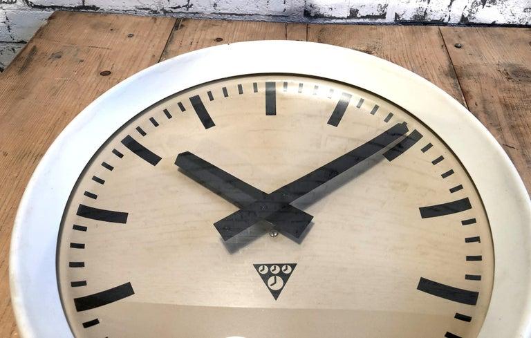 White Industrial Bakelite Factory Wall Clock from Pragotron, 1960s For Sale 1