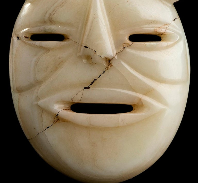 White Jade Mask Olmec Style, Mexico In Distressed Condition For Sale In Roma, IT