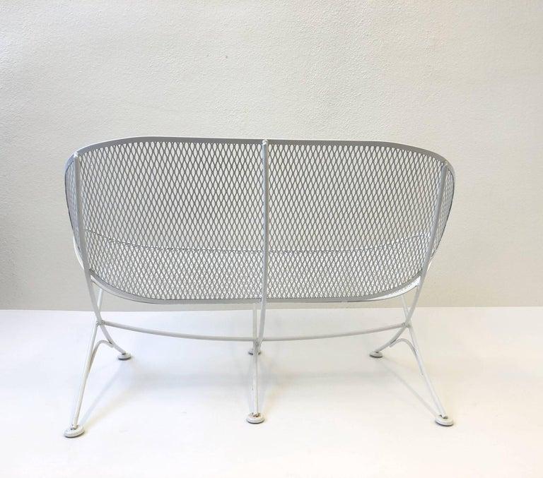 American White Lacquer Outdoor Settee Sofa by Maurizio Tempestini for Salterini For Sale