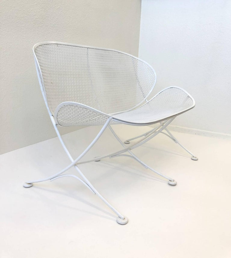 White Lacquer Outdoor Settee Sofa by Maurizio Tempestini for Salterini For Sale 1