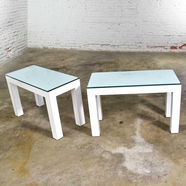 Mid-Century Modern White Laminate Parsons Style Side or End Tables with Glass Tops, a Pair For Sale