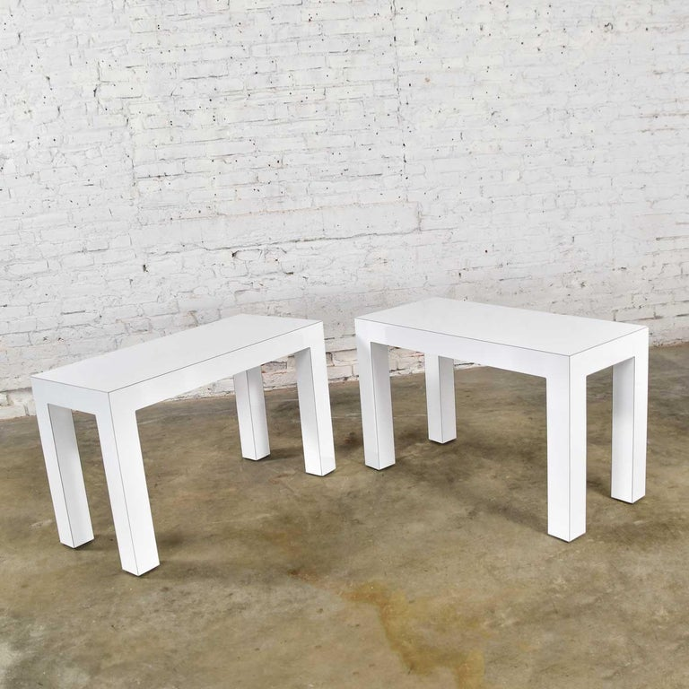 White Laminate Parsons Style Side or End Tables with Glass Tops, a Pair In Good Condition For Sale In Topeka, KS