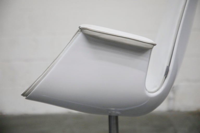 White Leather 'Bird' Swivel Chair by Preben Fabricius & Jørgen Kastholm, Signed For Sale 7