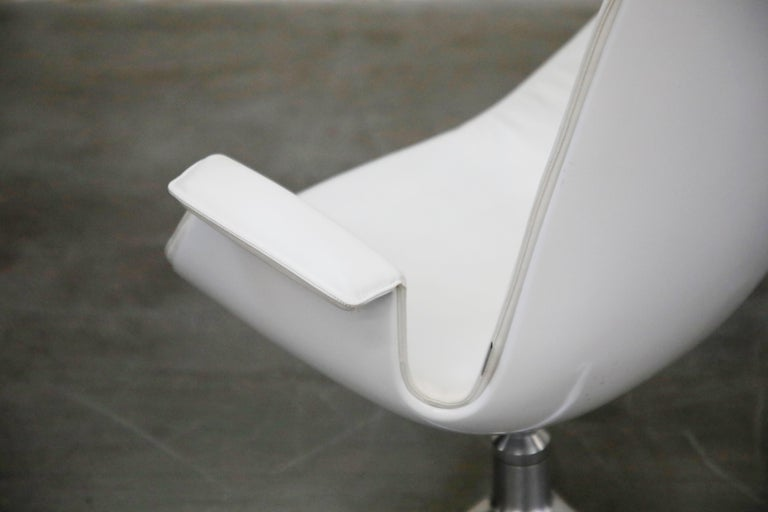 White Leather 'Bird' Swivel Chair by Preben Fabricius & Jørgen Kastholm, Signed For Sale 8