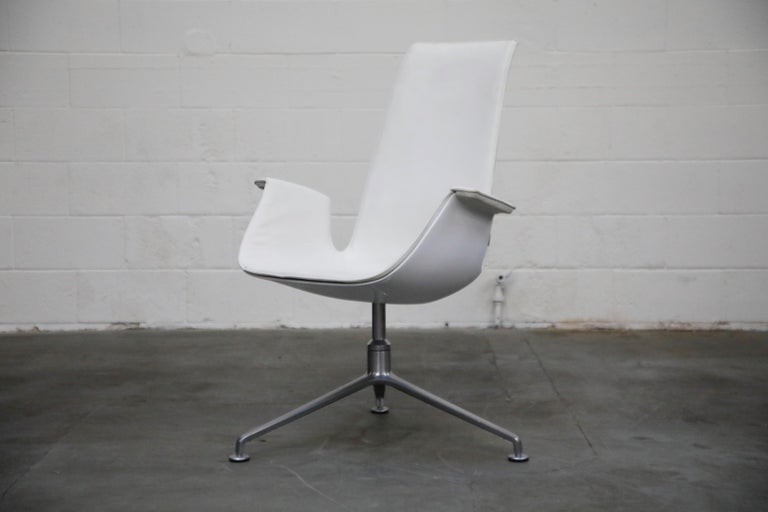 Mid-Century Modern White Leather 'Bird' Swivel Chair by Preben Fabricius & Jørgen Kastholm, Signed For Sale