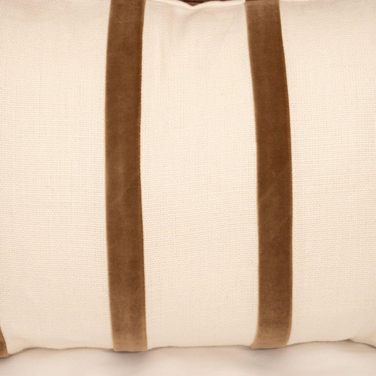 White Linen Pillow with Brown Velvet Stripe In Excellent Condition For Sale In New York, NY
