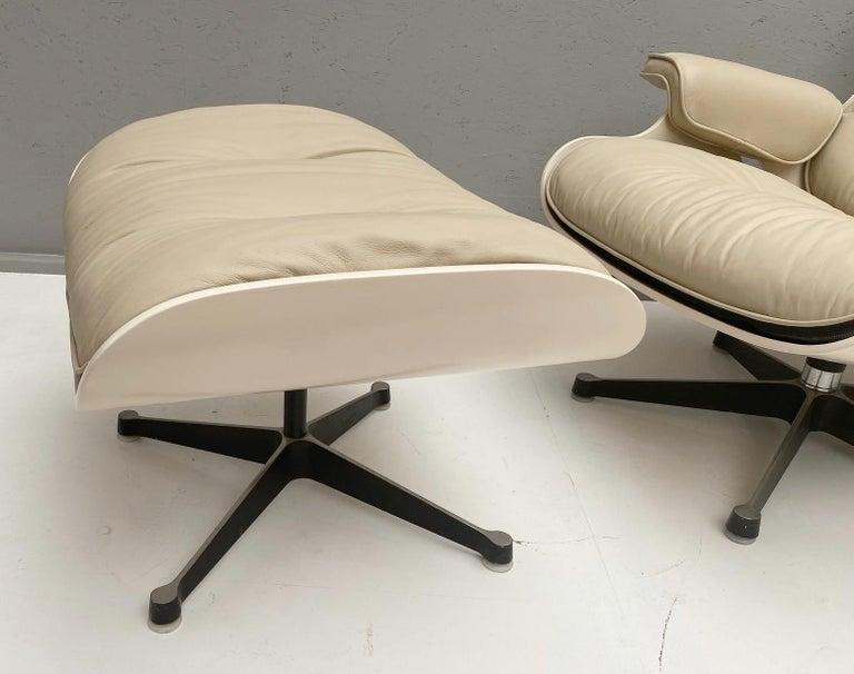 American White Lounge Chair and Ottoman in Style of Charles and Ray Eames For Sale