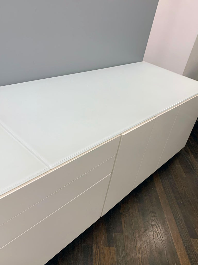 White M2L Brand Media Console with Satin Glass Top In Good Condition For Sale In New York, NY