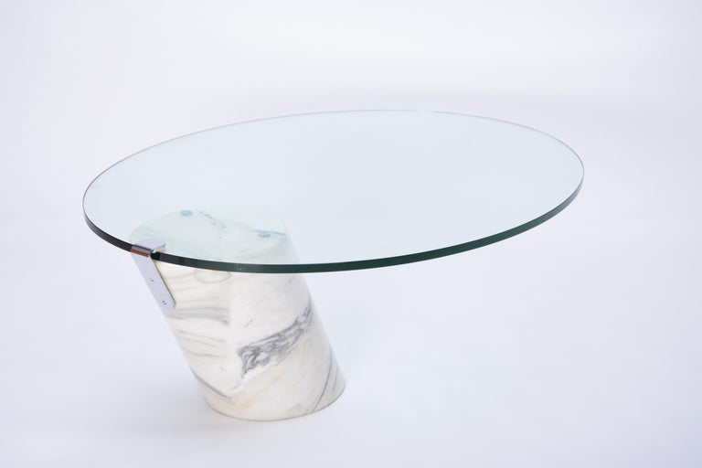 White Marble and Glass Coffee Table Model K1000 by Team Form for Ronald Schmitt For Sale 5