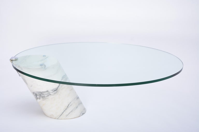 German White Marble and Glass Coffee Table Model K1000 by Team Form for Ronald Schmitt For Sale