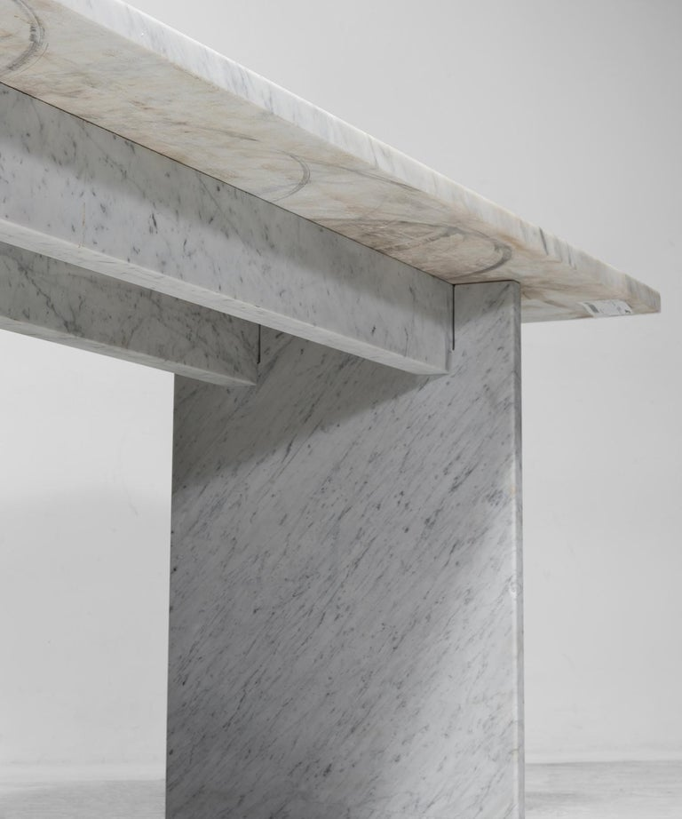 White Marble Console In Good Condition For Sale In Culver City, CA