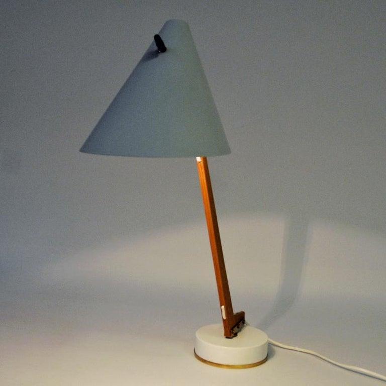 Scandinavian Modern White Metal and Teak Table Lamp B54, Hans Agne Jakobsson, 1950s, Sweden For Sale