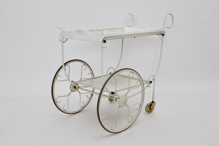 Mid Century Modern Vintage White Metal Bar Cart, 1950s, Germany In Good Condition For Sale In Vienna, AT