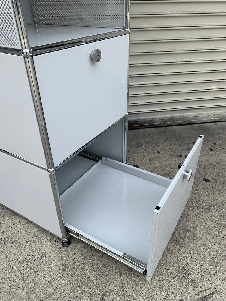 White Metal File Cabinet by USM Haller In Good Condition For Sale In Los Angeles, CA