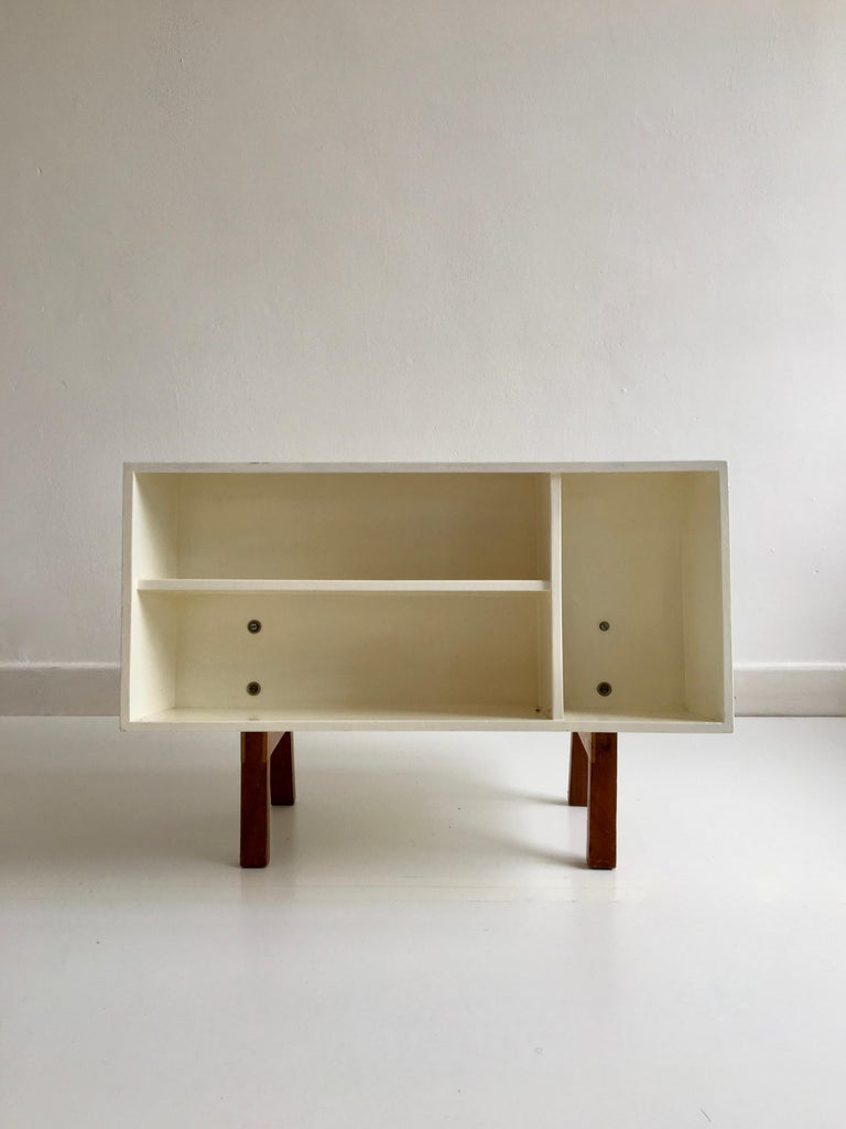 Vintage 'Isokon Penguin Donkey 2' bookcase / coffee table designed by Ernest Race for Isokon in 1962.