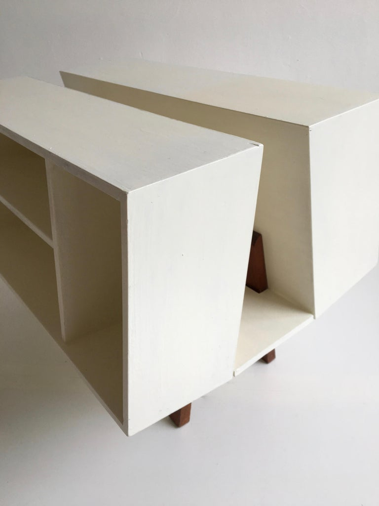 1660s White Midcentury 'Isokon' Bookcase / Coffee Table by Ernest Race, England, 1962 For Sale
