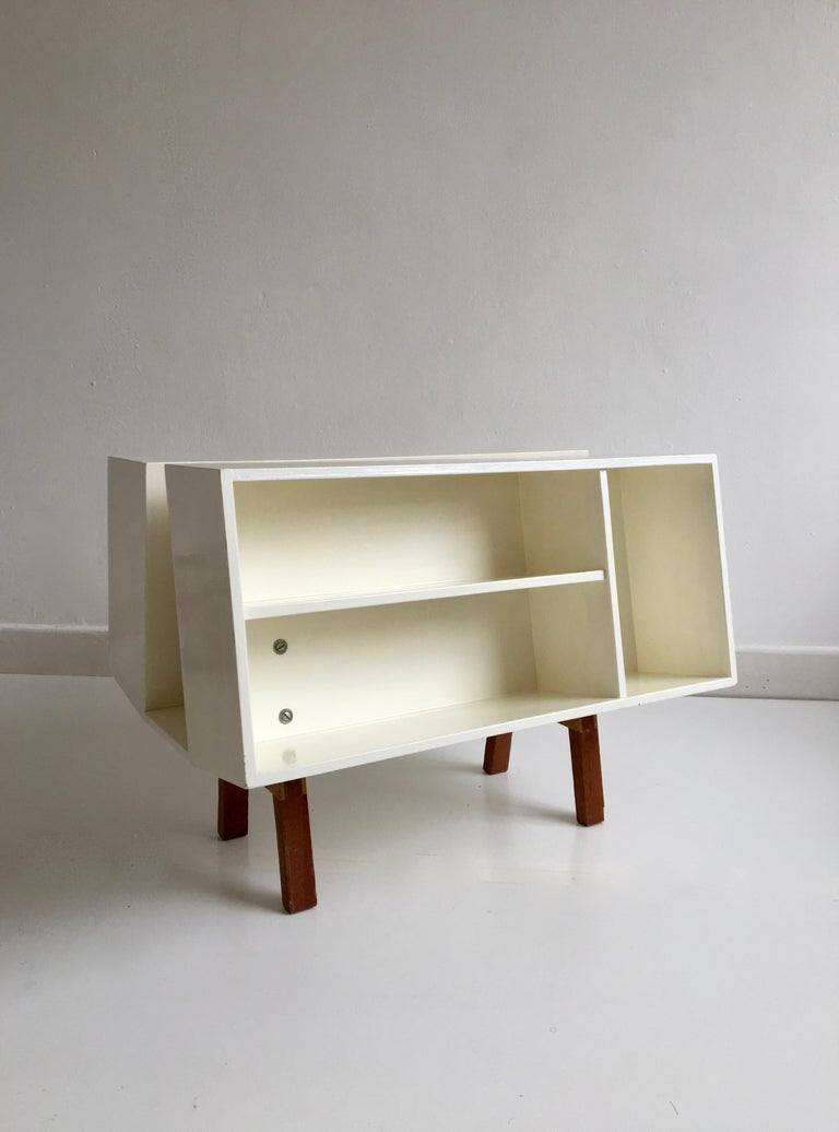 Teak White Midcentury 'Isokon' Bookcase / Coffee Table by Ernest Race, England, 1962 For Sale
