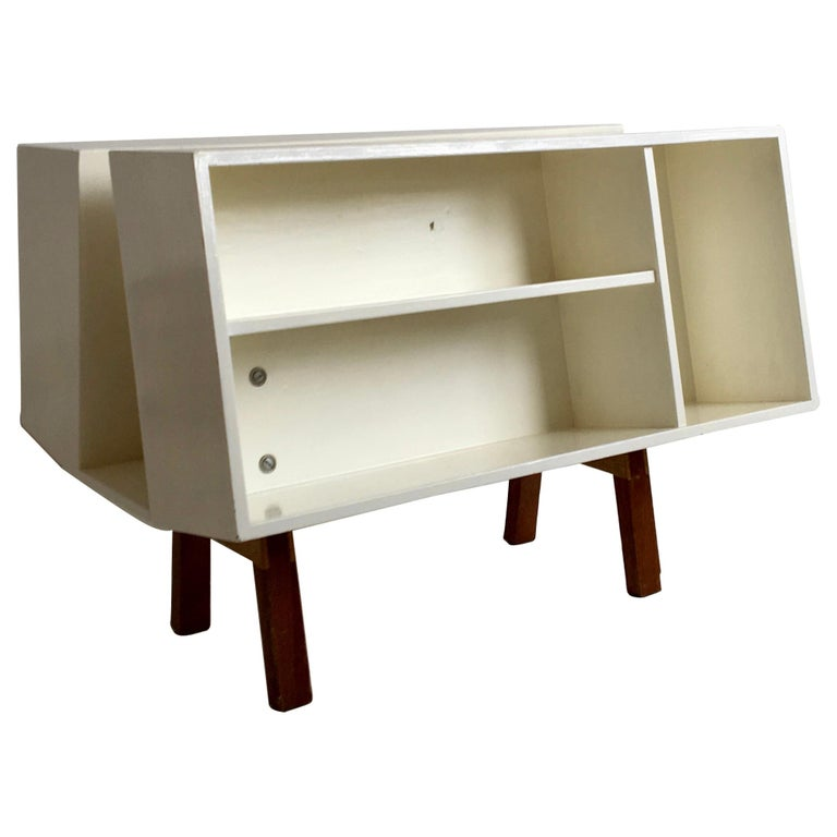 White Midcentury 'Isokon' Bookcase / Coffee Table by Ernest Race, England, 1962 For Sale