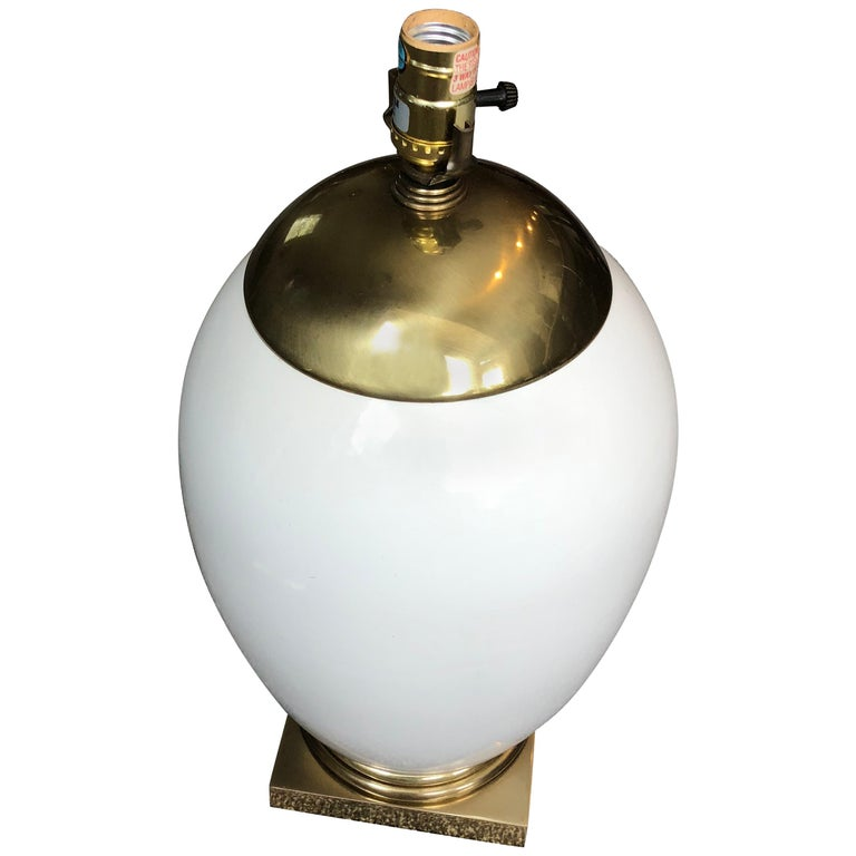 White Mid-Century Modern Ellipse Shaped Brass and Enamel Table Lamp For Sale