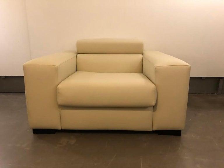 White Mid-Century Modern Set of Sofas For Sale 4