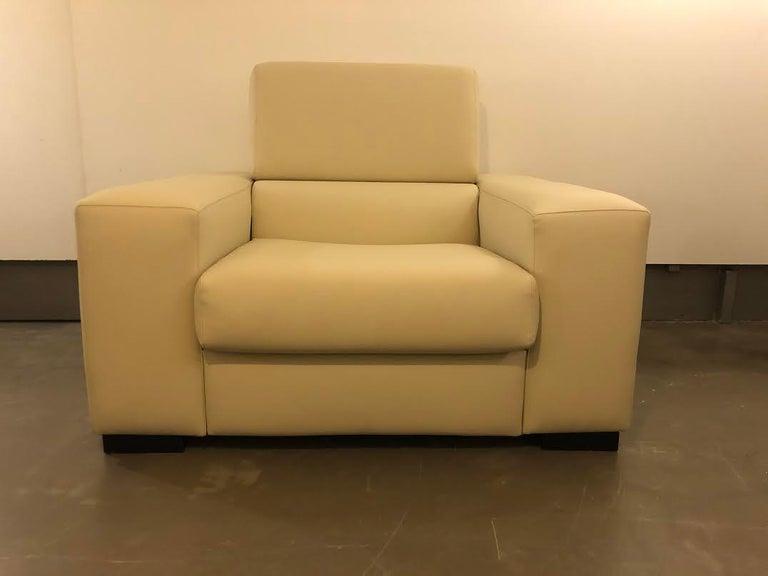 White Mid-Century Modern Set of Sofas For Sale 5