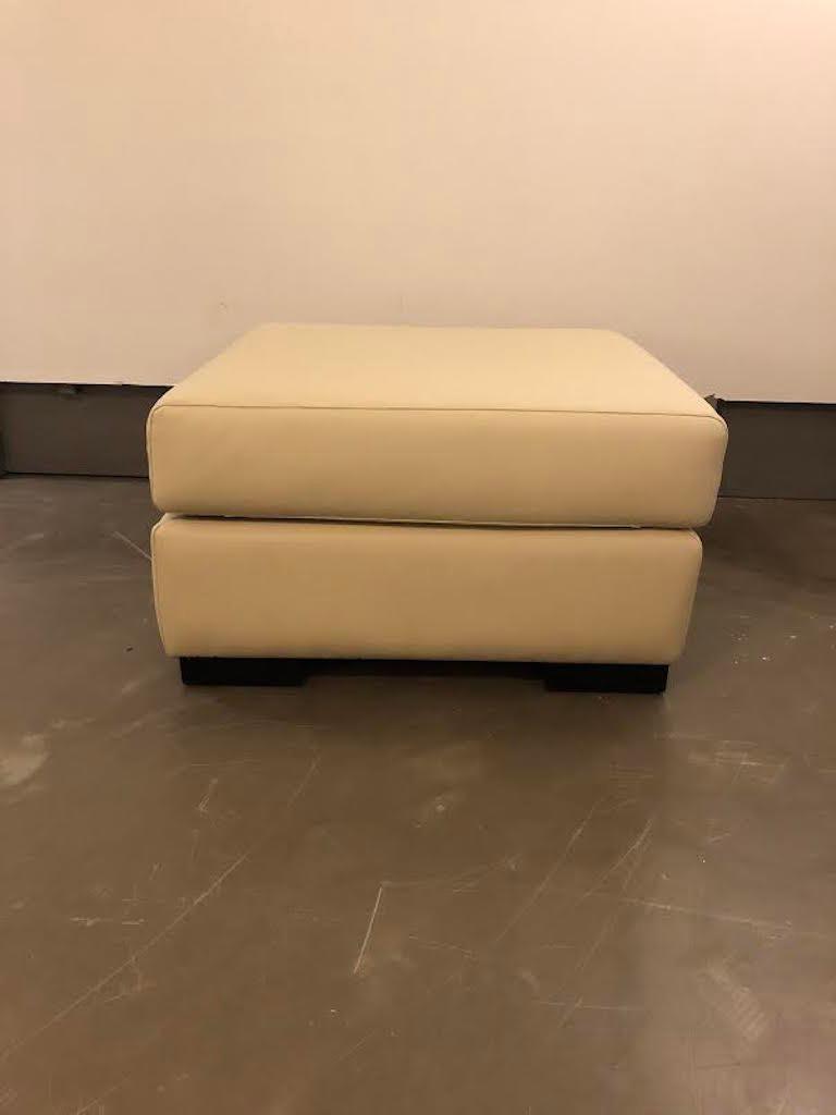 White Mid-Century Modern Set of Sofas For Sale 7