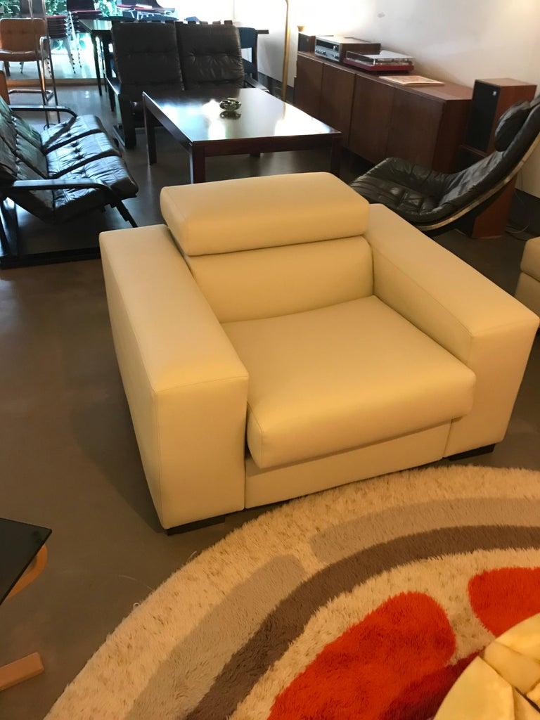 White Mid-Century Modern Set of Sofas For Sale 10