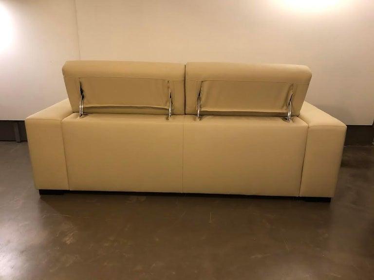 White Mid-Century Modern Set of Sofas For Sale 2