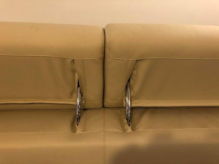 White Mid-Century Modern Set of Sofas For Sale 3