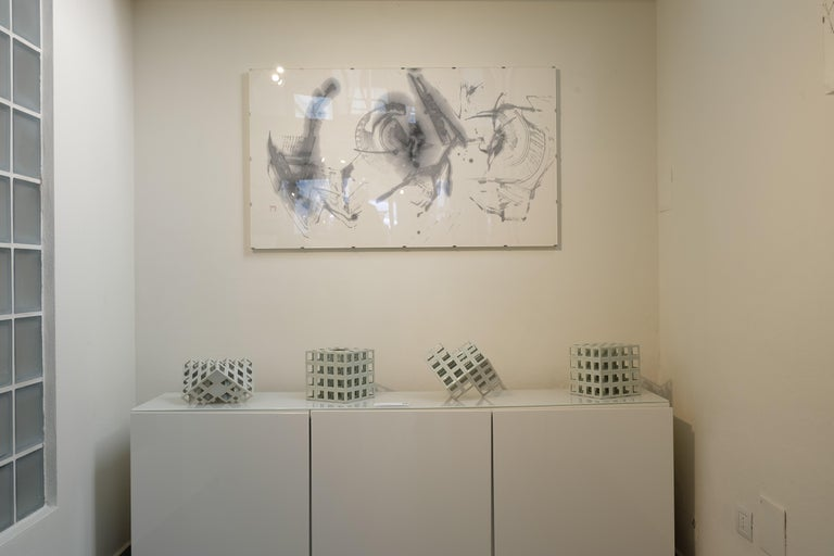 White Minimal Geometric Porcelain Sculpture (Cube Shape) In Excellent Condition For Sale In Milan, IT
