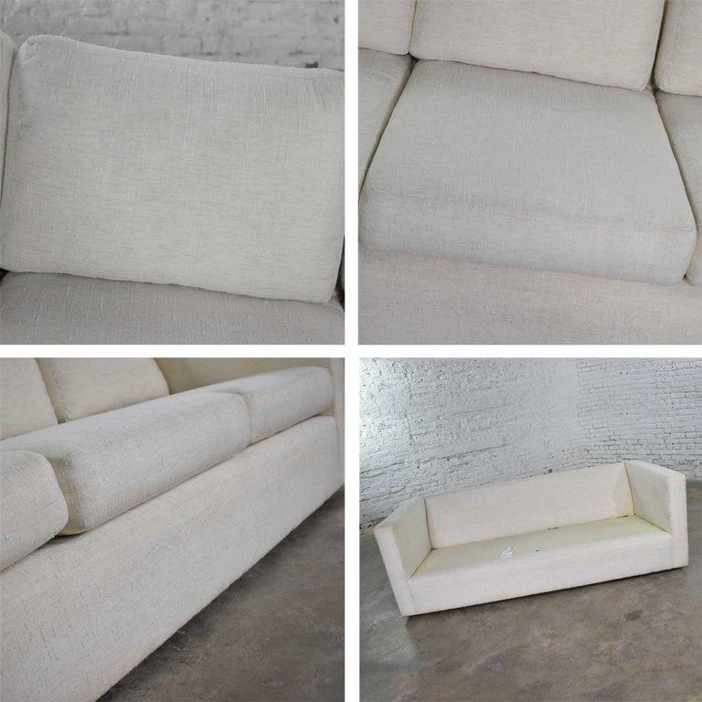 White Modern Tuxedo Style Sofa by Milo Baughman for Thayer Coggin For Sale 4