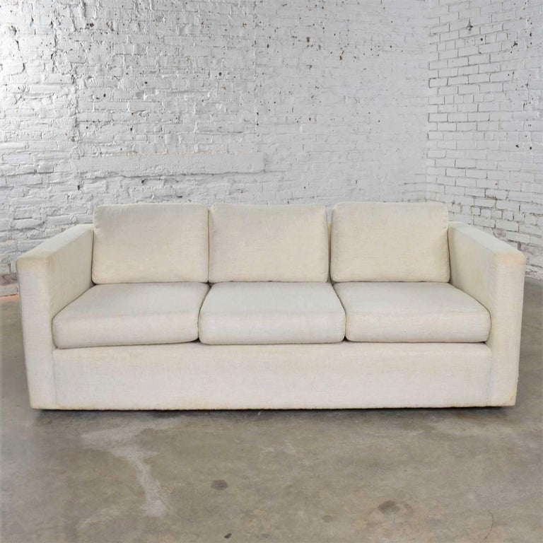 White Modern Tuxedo Style Sofa by Milo Baughman for Thayer Coggin In Good Condition For Sale In Topeka, KS