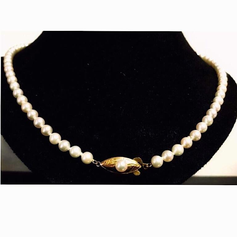 Exolette White Ocean Pearl Choker Necklace with 14K Gold Clasp & Pearl In Excellent Condition For Sale In Pahrump, NV