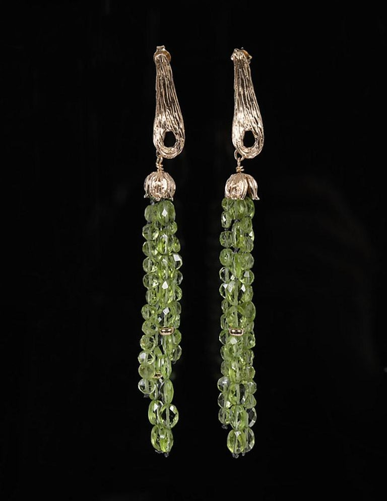 White Orchid Studio Drop Earrings of Yellow Gold and Peridot In New Condition For Sale In Athens, GA