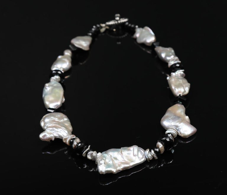 White Orchid Studio Pearl Necklace of Black Spinel and White Gold In New Condition For Sale In Athens, GA