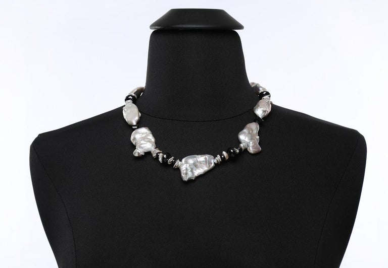 White Orchid Studio Pearl Necklace of Black Spinel and White Gold For Sale 1