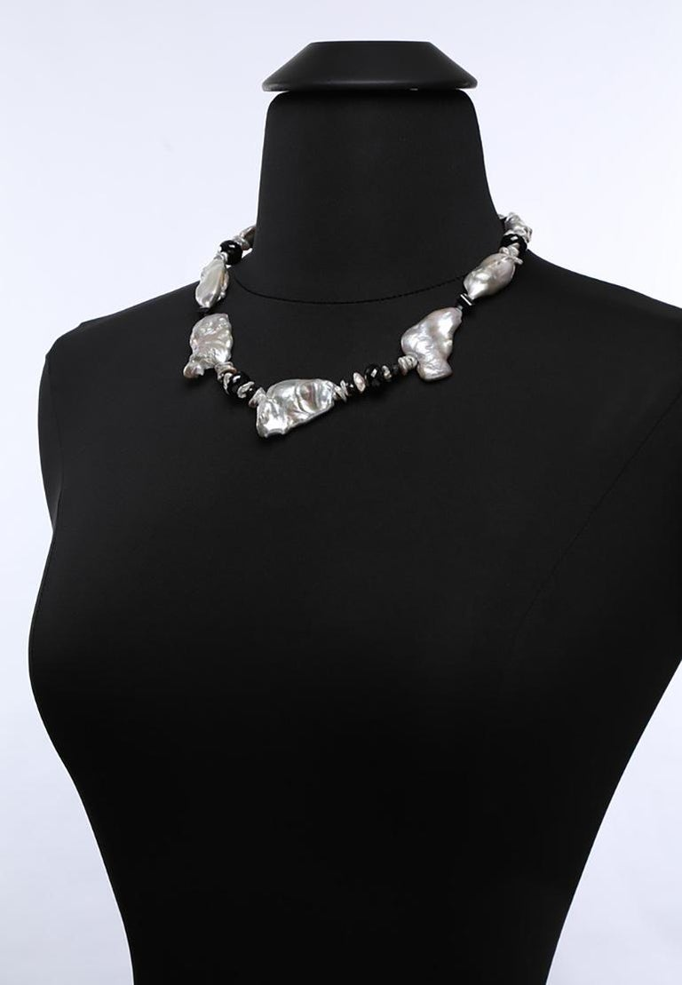 White Orchid Studio Pearl Necklace of Black Spinel and White Gold For Sale 3