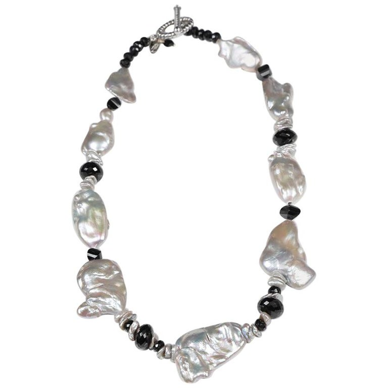 White Orchid Studio Pearl Necklace of Black Spinel and White Gold For Sale