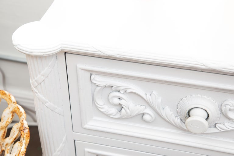 White Painted Chest of Drawers In Good Condition For Sale In WEST PALM BEACH, FL