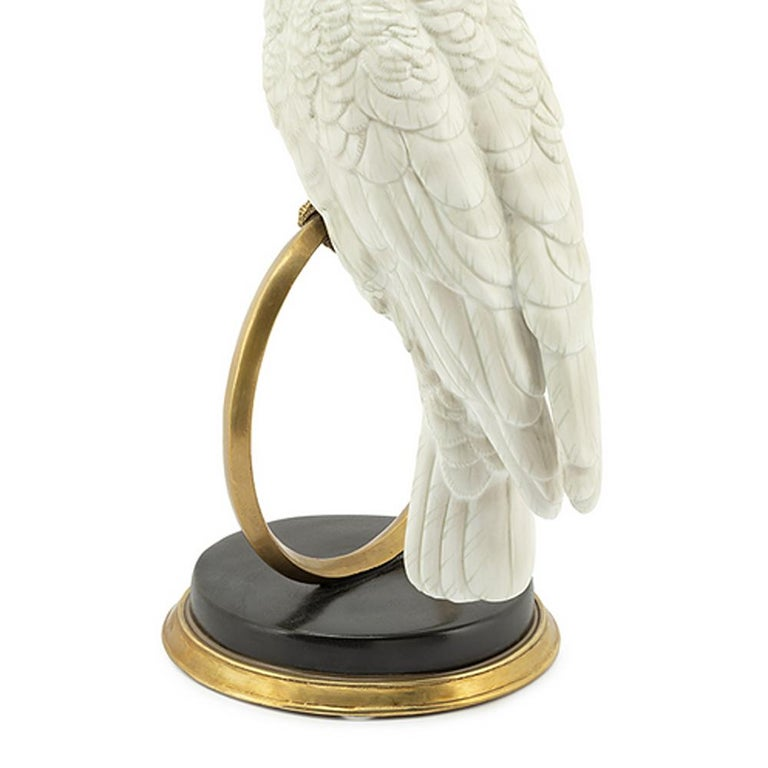 White Parrot on Ring Sculpture in White Porcelain In New Condition For Sale In Paris, FR