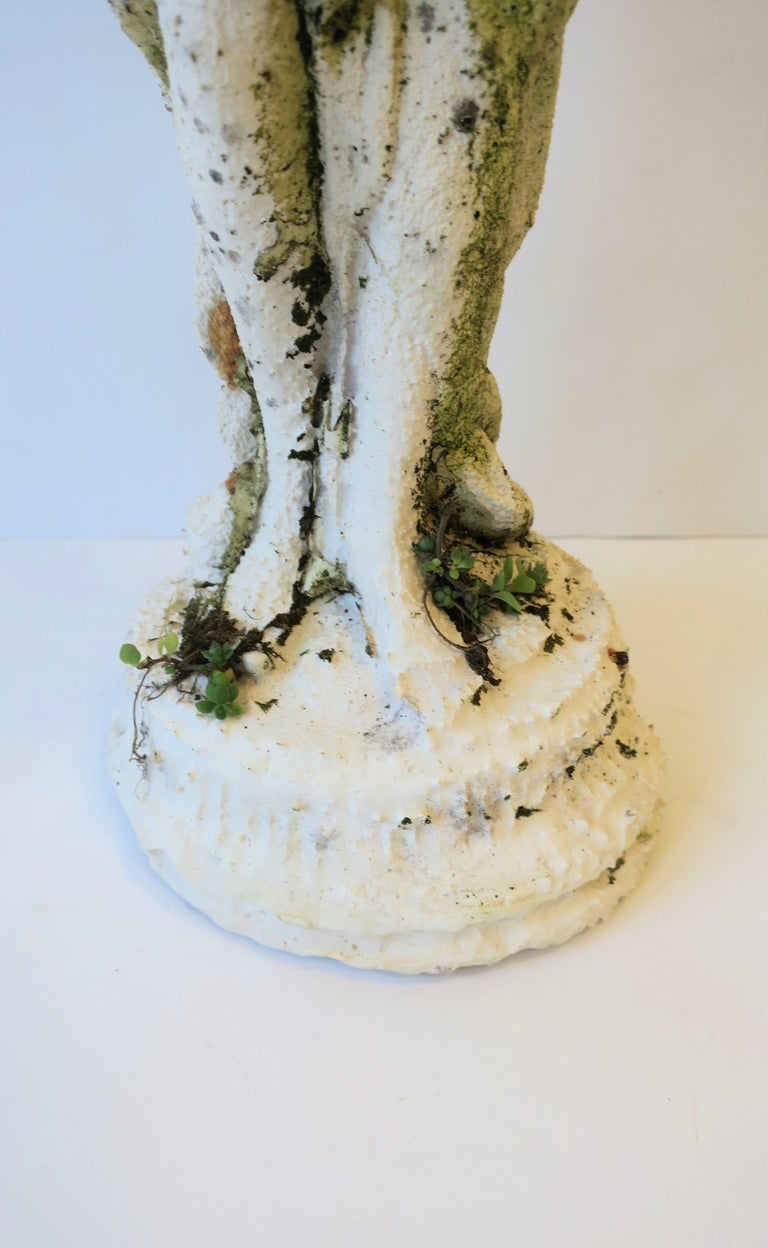 Cement White Plaster Female Garden Sculpture with Decorative Pot For Sale