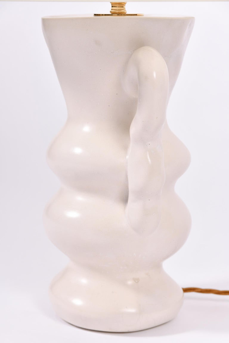 White Polished Plaster Table Lamp, by Dorian Caffot de Fawes For Sale 2