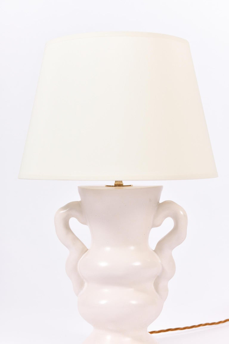 White Polished Plaster Table Lamp, by Dorian Caffot de Fawes For Sale 4