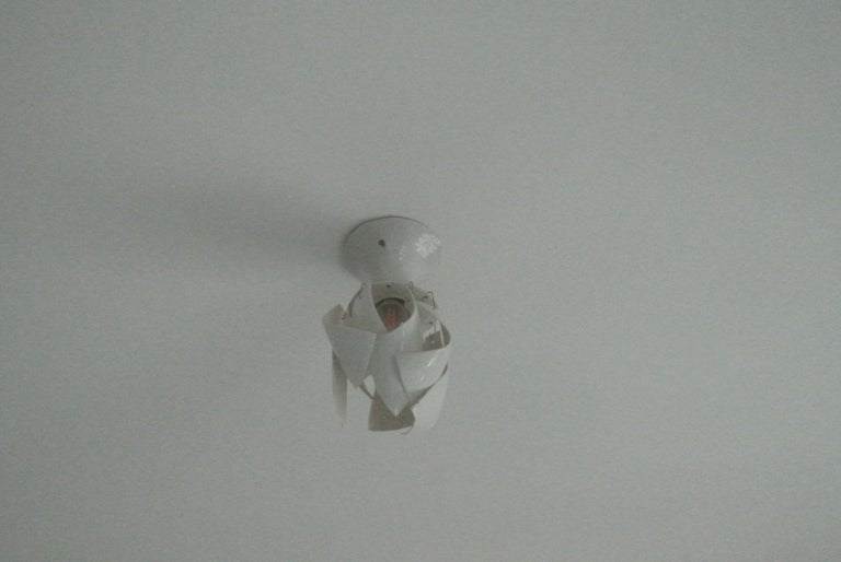White Porcelain Ceiling Lamp with Hanging Porcelain Petals 4