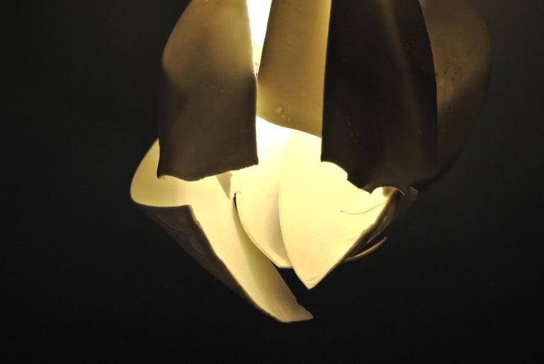 White Porcelain Ceiling Lamp with Hanging Porcelain Petals 7