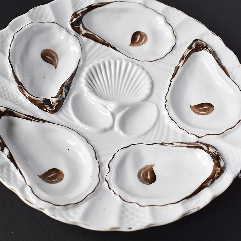Neoclassical White Porcelain Oyster Serving Plate in Brown and Gold, 1800s, Germany For Sale