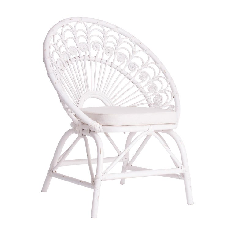 White Rattan and Wicker Peacock Armchair For Sale 1