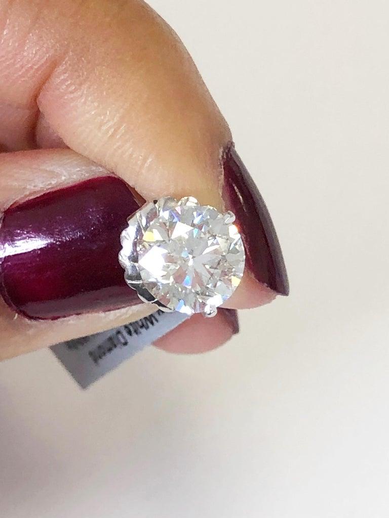 Women's or Men's White Round Diamond Studs in 14 Karat White Gold For Sale