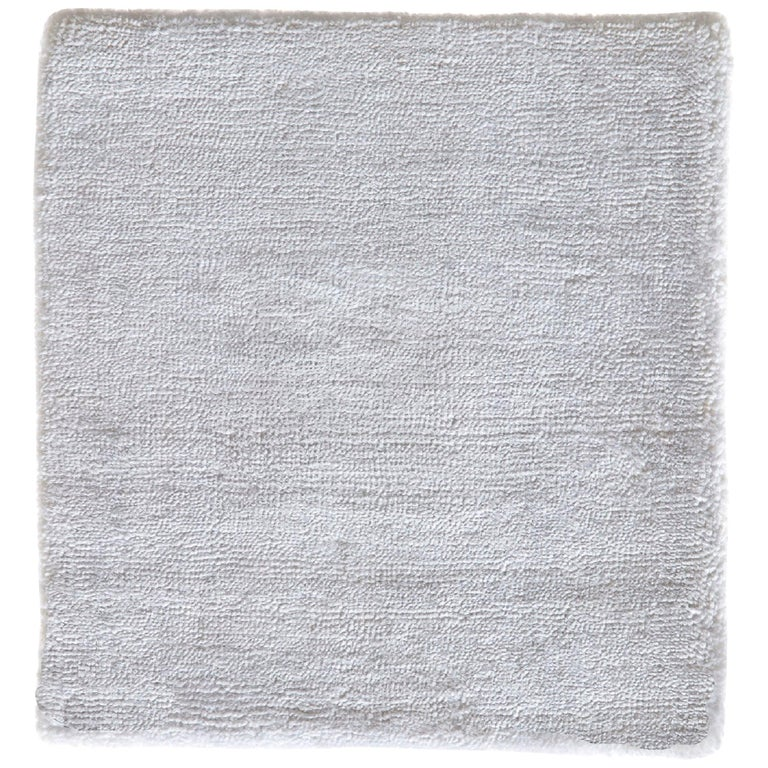 Natural White Hand-loomed Bamboo Silk Modernist Rug For Sale