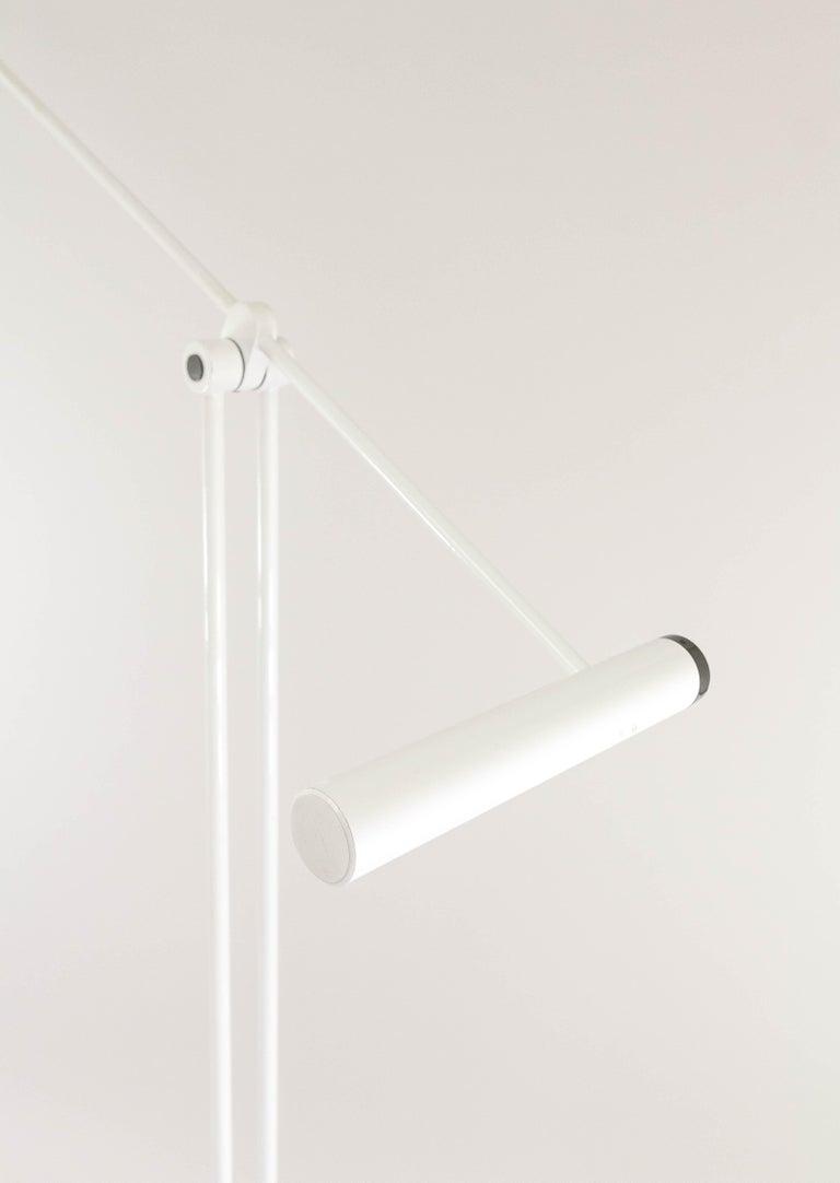 White Samurai Floor Lamp by Sigheaki Asahara for Stilnovo, 1970s In Good Condition For Sale In Rotterdam, NL